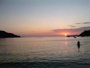 Ηλιοβασίλεμα στο Κίνι.
